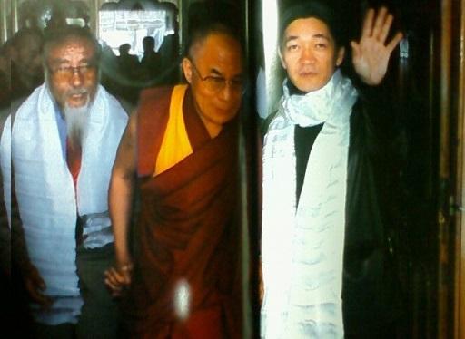 機宜*82(チベットと芸能関係者)_e0126350_1474541.jpg