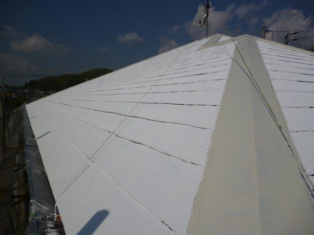 外壁・屋根の塗替えを始めています3(神奈川県秦野市)_e0207151_15504272.jpg