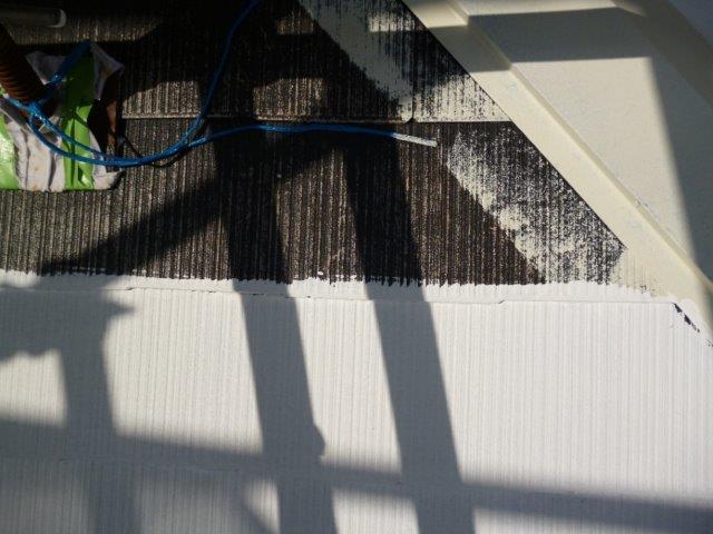 外壁・屋根の塗替えを始めています3(神奈川県秦野市)_e0207151_15535331.jpg