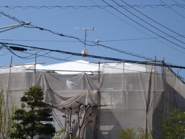 外壁・屋根の塗替えを始めています3(神奈川県秦野市)_e0207151_15545089.jpg