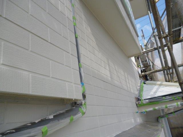 外壁・屋根の塗替えを始めています3(神奈川県秦野市)_e0207151_15572044.jpg