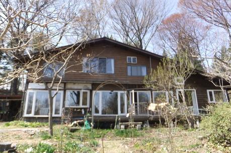 新緑の富士見でわが友、故岡部牧夫の落葉舎を訪ねる_c0242406_7504133.jpg