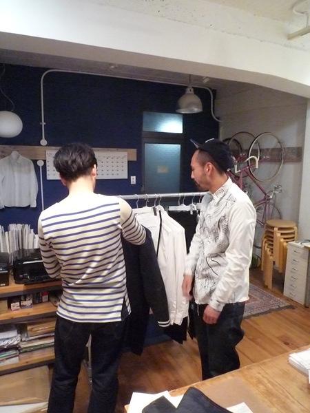 Yuya TakateのシャツとANDANTEANDANTEのブラウス_f0180307_15224825.jpg