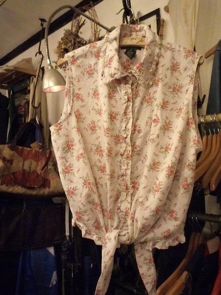 Yuya TakateのシャツとANDANTEANDANTEのブラウス_f0180307_22242078.jpg