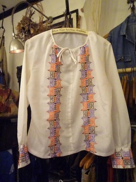 Yuya TakateのシャツとANDANTEANDANTEのブラウス_f0180307_22261342.jpg