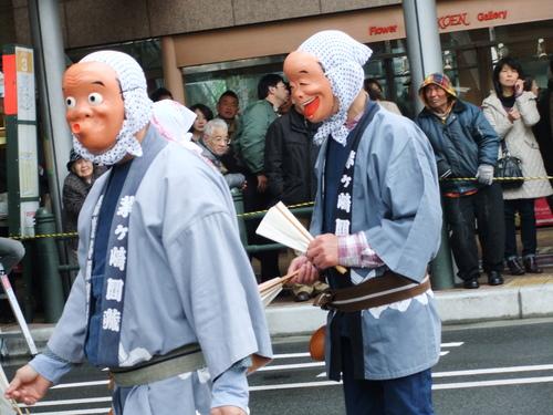 大岡越前祭...雨も止みパレードが_b0137932_1648962.jpg