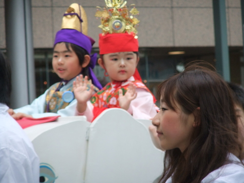 大岡越前祭...雨も止みパレードが_b0137932_1649560.jpg