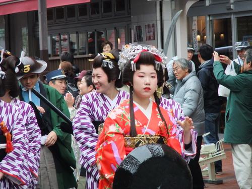 大岡越前祭...雨も止みパレードが_b0137932_16503520.jpg
