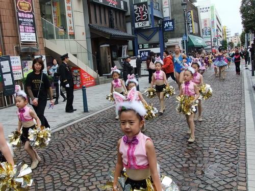 大岡越前祭...雨も止みパレードが_b0137932_1657166.jpg