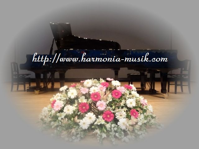 ピアノ発表会舞台裏_d0165645_1043317.jpg
