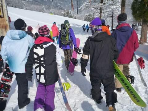 【滑走レポ 2013.4.11】 ラストパウダーを狙って@かぐら_e0037849_7381563.jpg