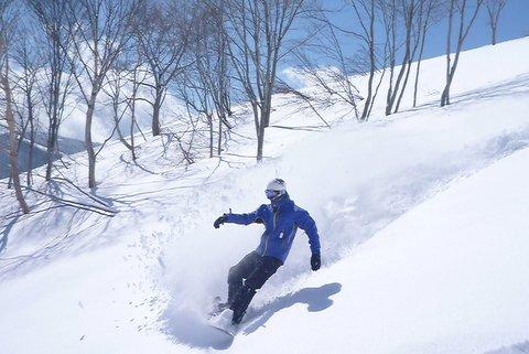 【滑走レポ 2013.4.11】 ラストパウダーを狙って@かぐら_e0037849_7421363.jpg