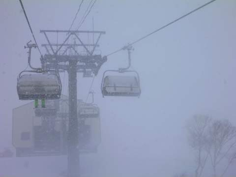 【滑走レポ 2013.4.11】 ラストパウダーを狙って@かぐら_e0037849_7554188.jpg
