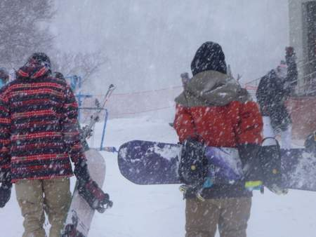 【滑走レポ 2013.4.11】 ラストパウダーを狙って@かぐら_e0037849_7561798.jpg