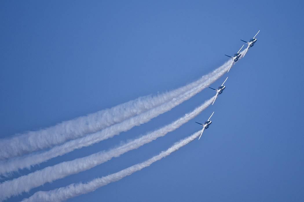 ブルーインパルス、訓練飛行その1_c0077395_1513454.jpg