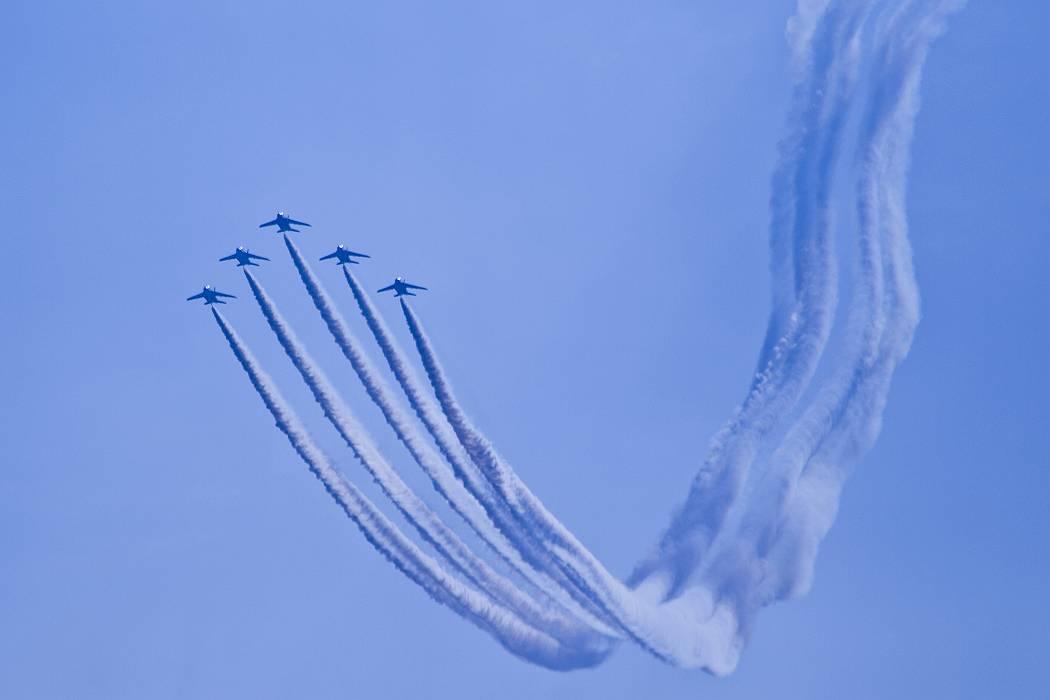 ブルーインパルス、訓練飛行その1_c0077395_1514272.jpg