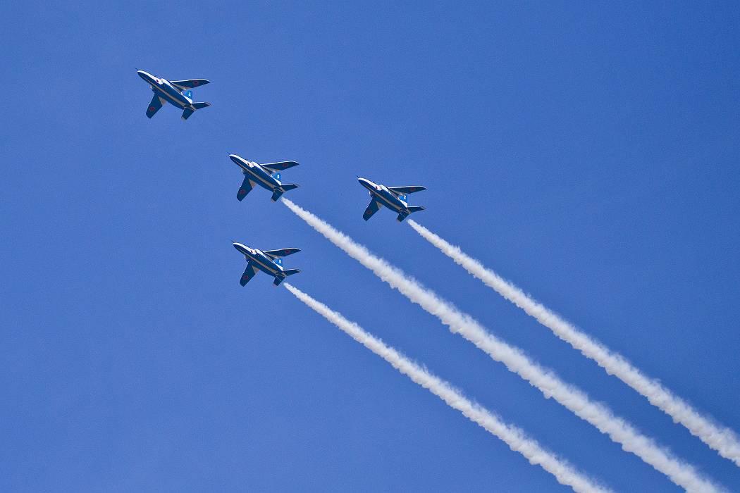 ブルーインパルス、訓練飛行その1_c0077395_15312788.jpg