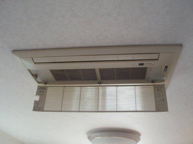 2室マルチエアコンの入替(町田市)_e0207151_18305641.jpg