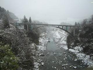 週末は・・・雪が降りました!_a0243562_12322289.jpg