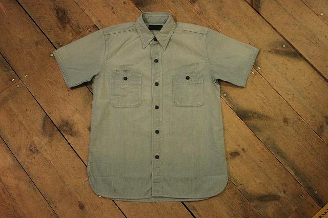 まるで長年使い込まれたようなシャンブレーシャツ。_d0121303_17191614.jpg