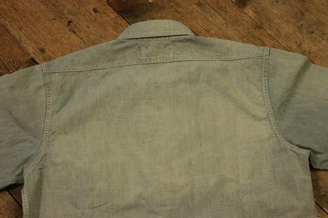 まるで長年使い込まれたようなシャンブレーシャツ。_d0121303_1721272.jpg