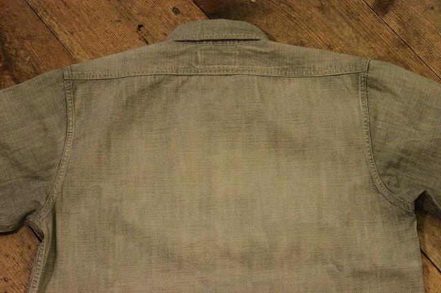 まるで長年使い込まれたようなシャンブレーシャツ。_d0121303_17213954.jpg