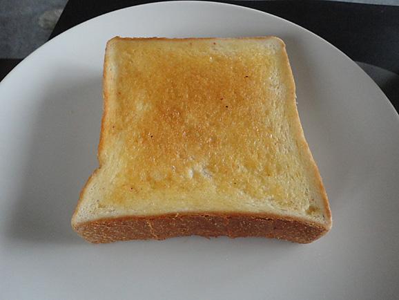 新橋ベーカリーの食パン_e0230011_17102930.jpg