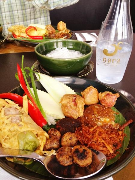 ソンクランの食べ物☆ข้าวแช่ _e0182138_2254136.jpg