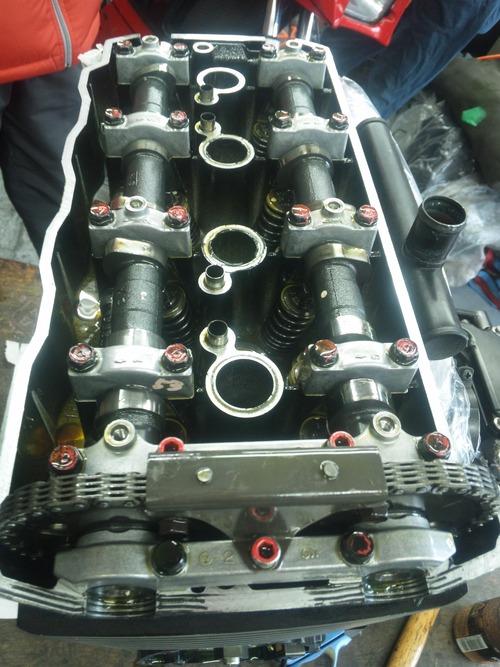 エンジンオーバーホール三昧!・・・めざせロングライフ!  ZRX1200Rエンジン・・・その1_a0163159_9415216.jpg