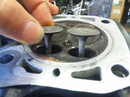 エンジンオーバーホール三昧!・・・めざせロングライフ!  ZRX1200Rエンジン・・・その1_a0163159_9545256.jpg