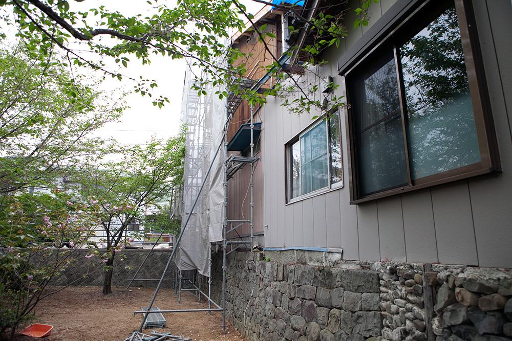 駐車スペース確保と屋根葺き替え他〜その1〜_a0163962_912611.jpg