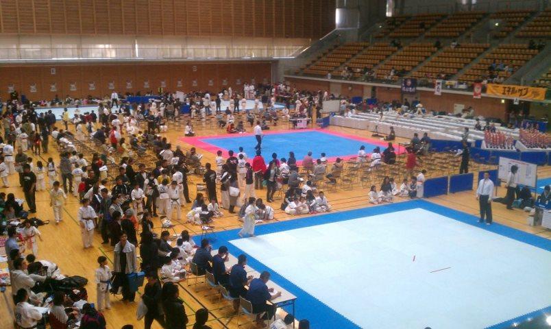 第30回オープントーナメント 全四国空手道選手権大会_c0186691_14435941.jpg