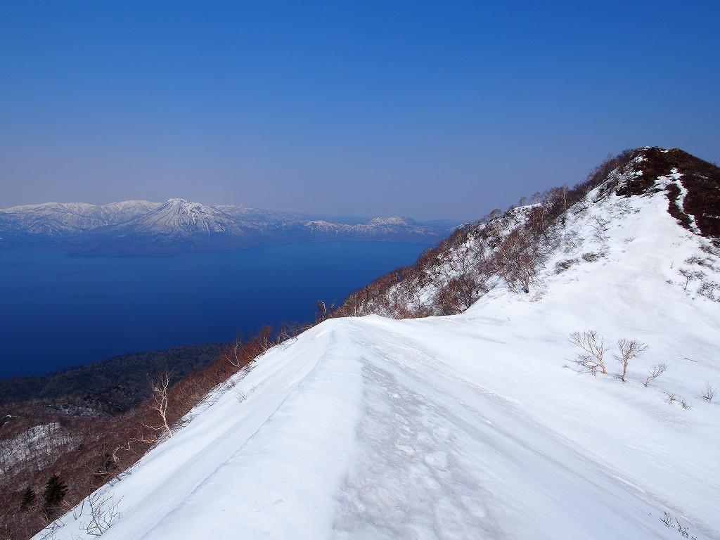 4月23日、風不死岳と樽前山_f0138096_16305264.jpg