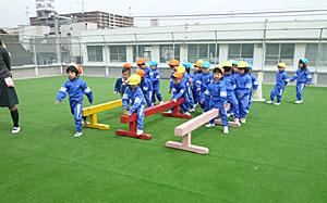 今年度はじめての体育遊び_e0325335_15162867.jpg