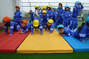 今年度はじめての体育遊び_e0325335_15171072.jpg