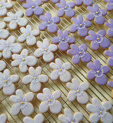 菫埜さんのスミレのクッキー。_a0274443_16244122.jpg