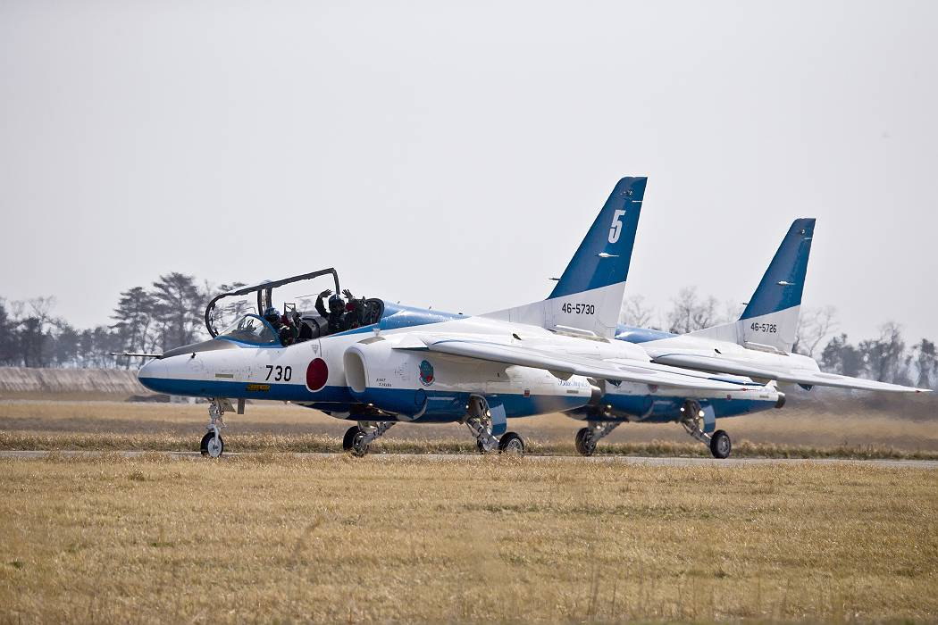 ブルーインパルス、 訓練飛行その2_c0077395_20214823.jpg