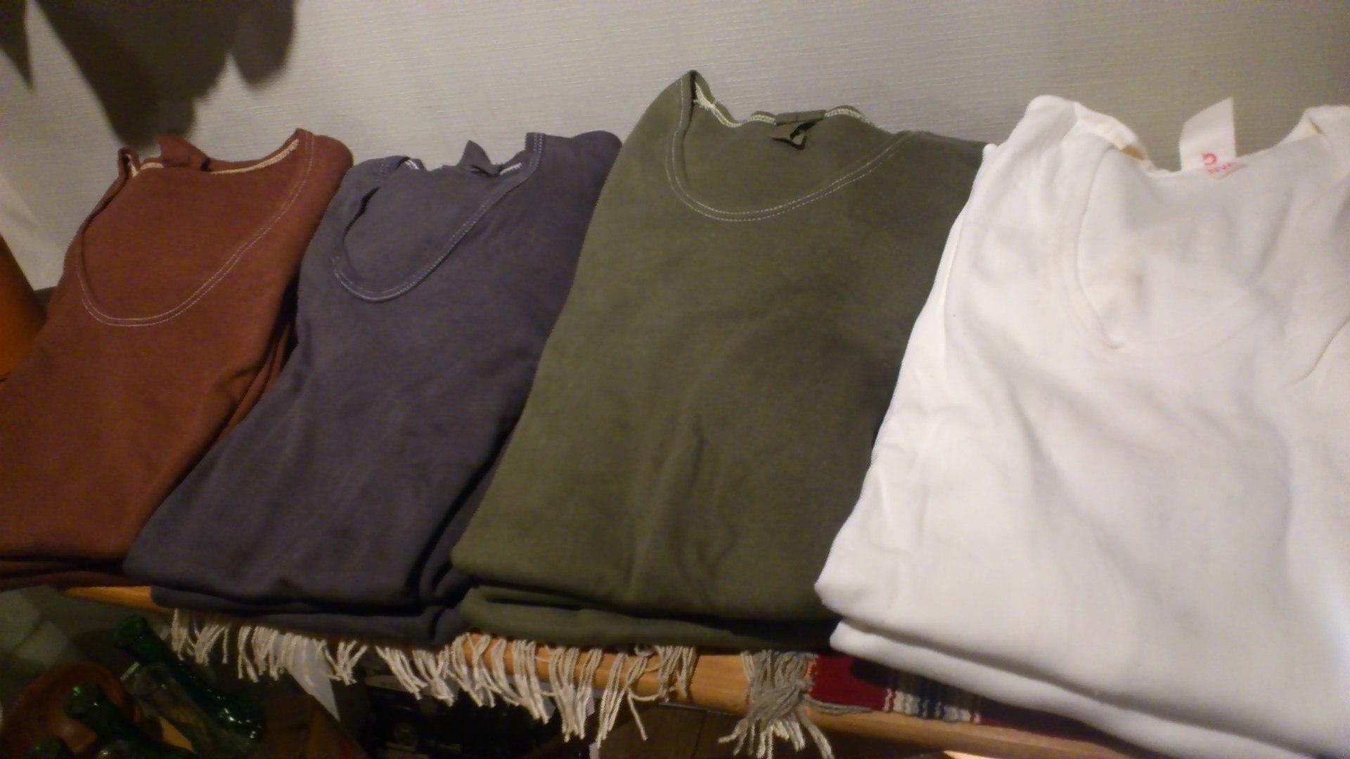 German U-Neck T-Shirt!_b0247211_20574770.jpg