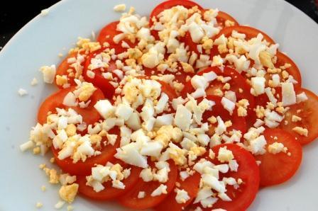 トマトと卵のカラフル元気サラダ~新玉ツナドレッシング~_d0104926_5192847.jpg