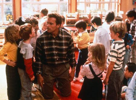 映画「キンダガートン・コップ」=「切磋琢磨」のない幼稚園?_c0236527_337521.jpg