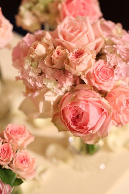 ローズピンクの装花 シェ松尾青山サロン様へ_a0042928_17405270.jpg