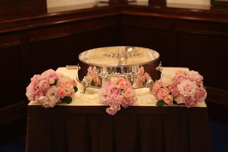 ローズピンクの装花 シェ松尾青山サロン様へ_a0042928_174162.jpg
