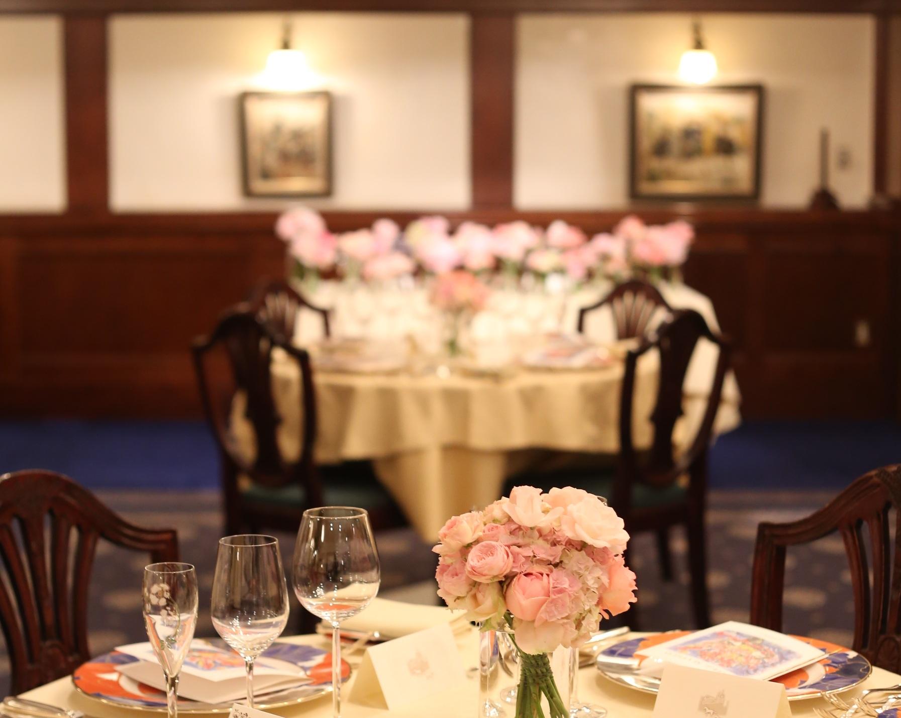 ローズピンクの装花 シェ松尾青山サロン様へ_a0042928_1747299.jpg