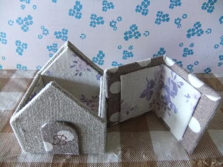 小さなお家シリーズ。_d0298628_1357478.jpg