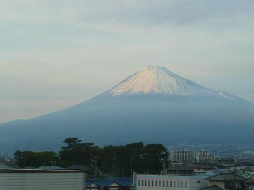 季節は? 富士山_c0087349_5191336.jpg