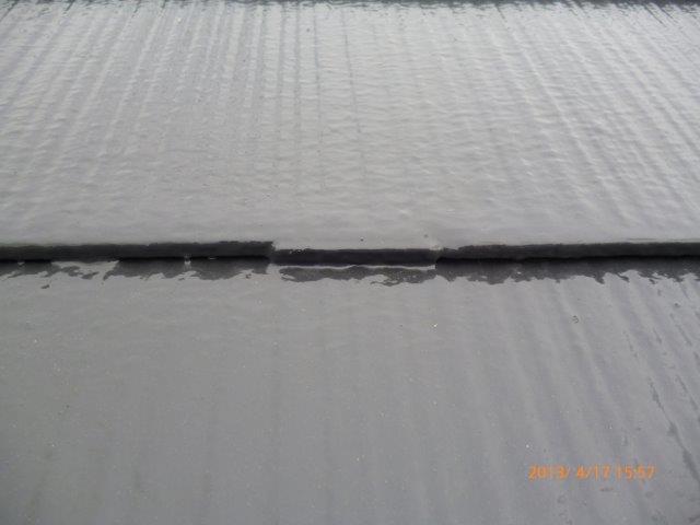 外壁・屋根の塗替えを始めています4(神奈川県秦野市)_e0207151_18444538.jpg