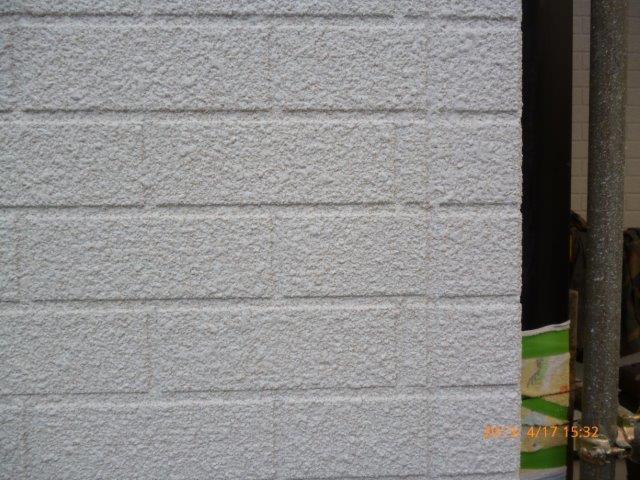 外壁・屋根の塗替えを始めています4(神奈川県秦野市)_e0207151_18481588.jpg
