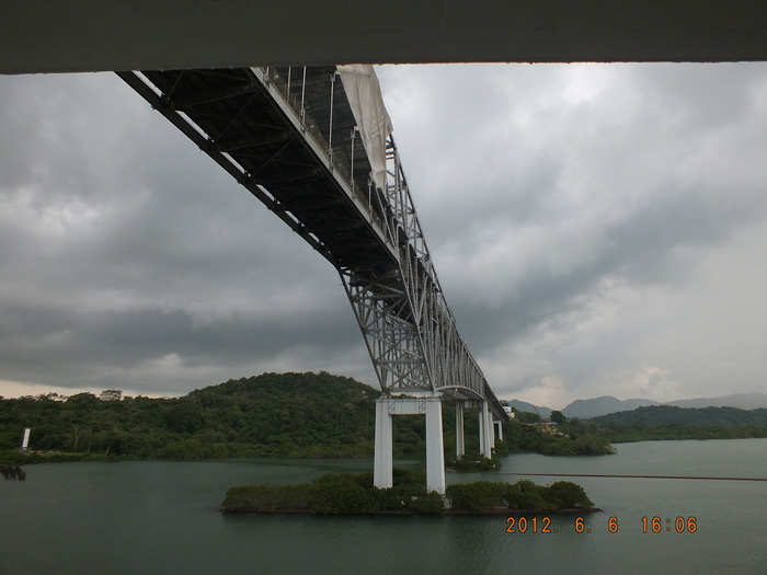 パナマ運河通峡-5 フォトスケッチ  Crossing the Panama Canal-5 Photo Sketches_e0140365_2321575.jpg