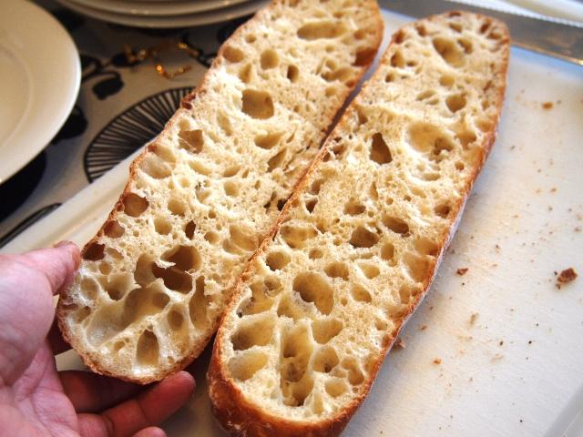 コンスタントにフランスパン_e0167593_0415077.jpg