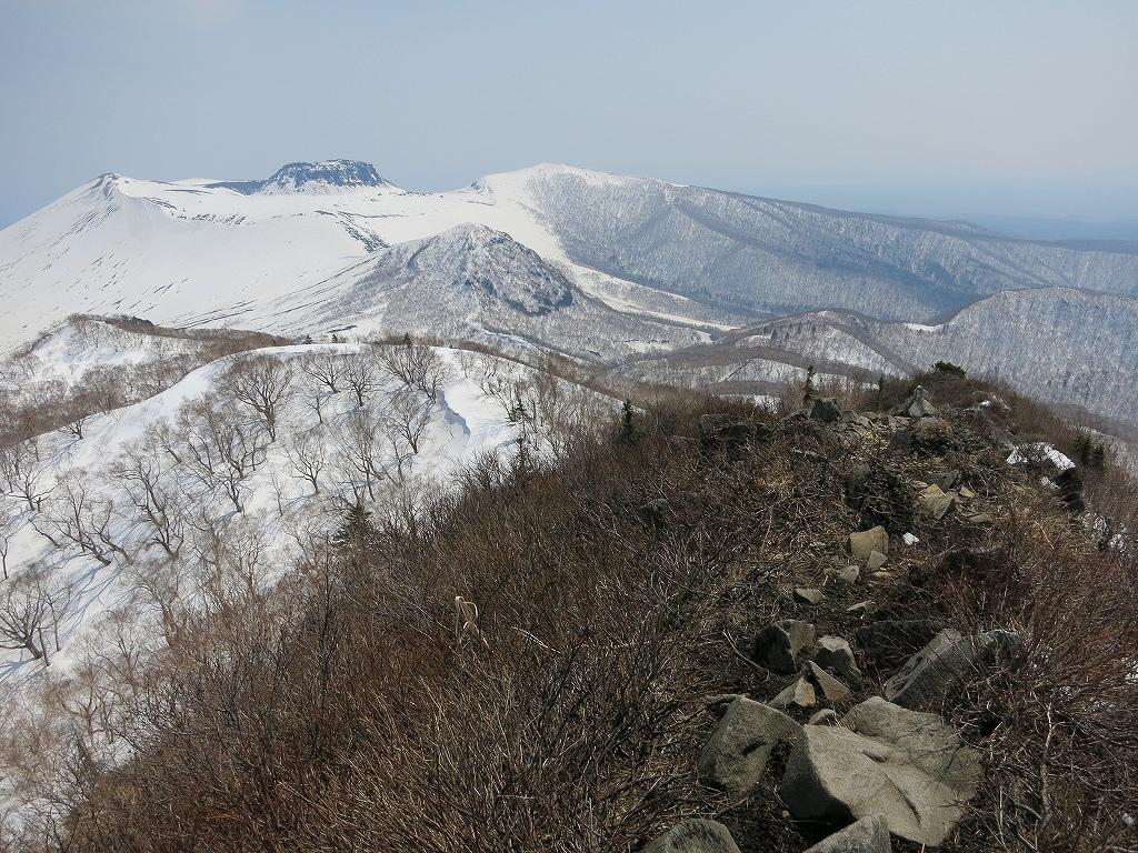 4月23日、風不死岳と樽前山-風不死岳からゲート編-_f0138096_2037104.jpg